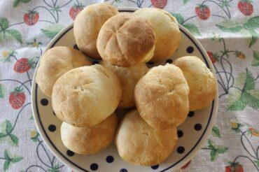 Leniwe bułeczki śniadaniowe